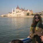 """Architektura z """"duszą"""", mosty /np.Małgorzaty/ i wyspa Małgorzaty gdzie stateczki kursują niezwykle punktualnie"""