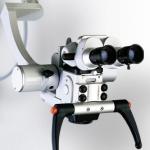 Mikroskop operacyjny SmartOptik w wersji sufitowej,optymalnej do precyzyjnej i ergonomicznej pracy